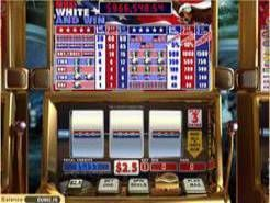 Play Play Red, White and Win Slots now!
